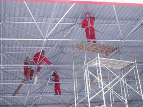 阜新厂房钢结构刷油漆