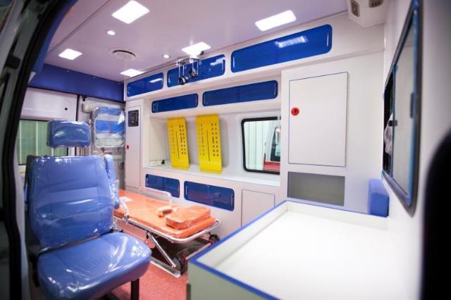 信阳福特全顺V348救护车救护车改装厂