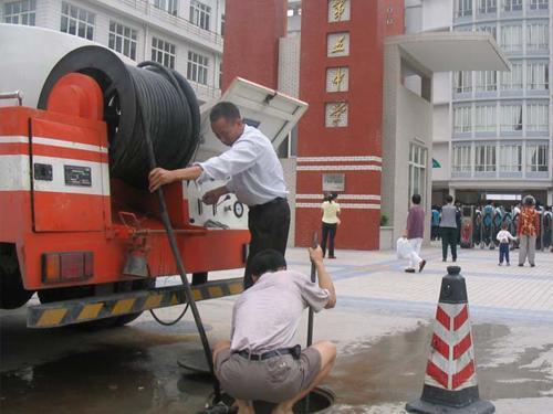 唐山南堡工业区清洗污水管道(清理工业调节池)