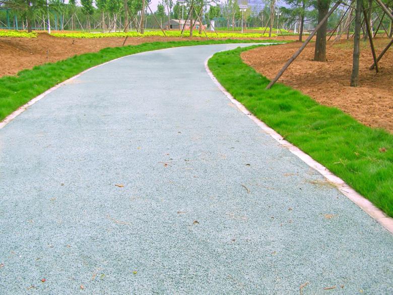 陕西省渭南市露骨料透水混凝土专业生产厂家