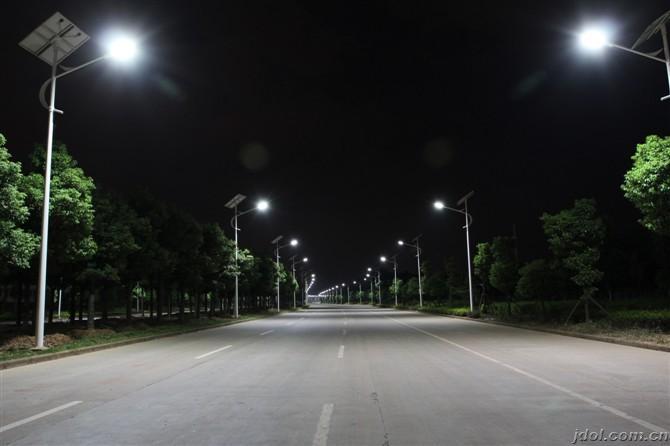 江城路灯价格/太阳能路灯安装
