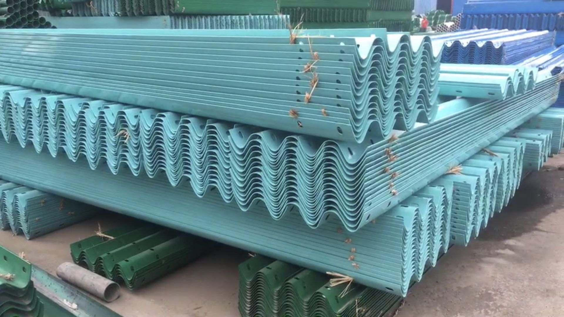 扬州市邗江区波形护栏生产厂家