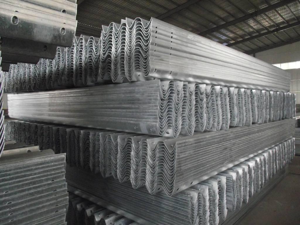 山西省吕梁市交通波形护栏生产厂家