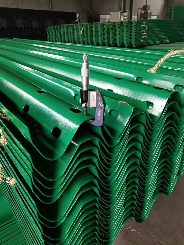 铁岭市波形护栏 立柱多少钱一米