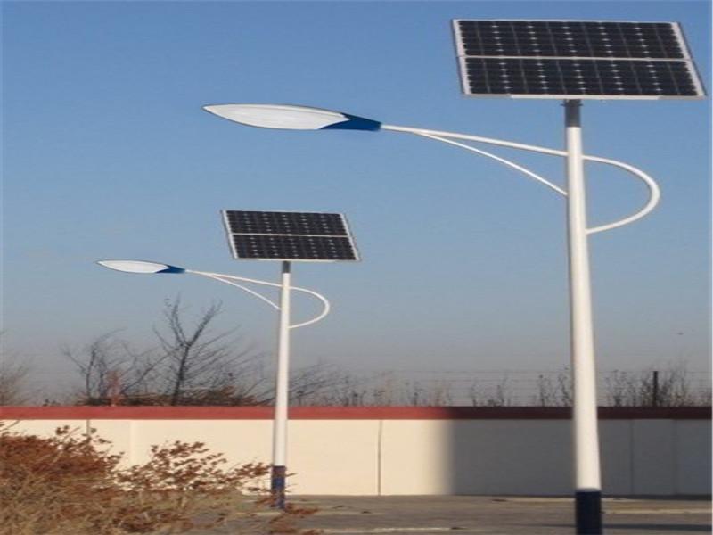 东川太阳能路灯安装价格当地经销商电话