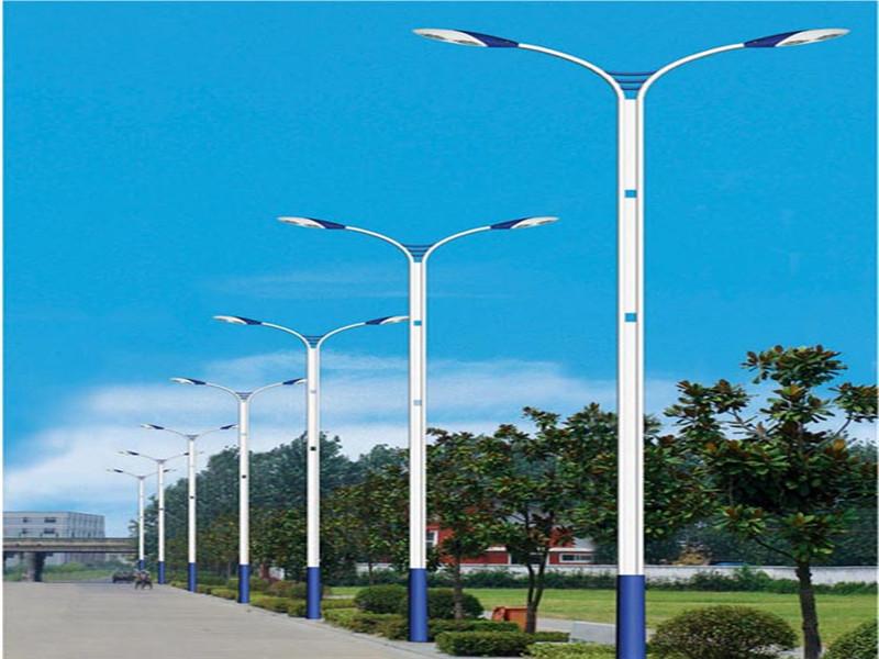 三台路灯价格/太阳能路灯安装
