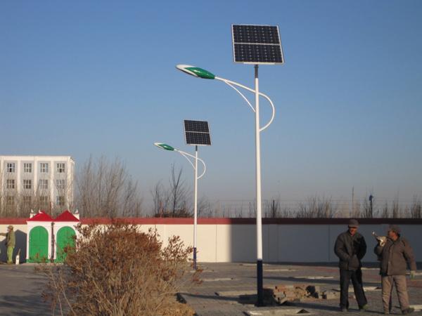 来宾市象州县太阳能路灯价格亮灯6小时路灯价格多少