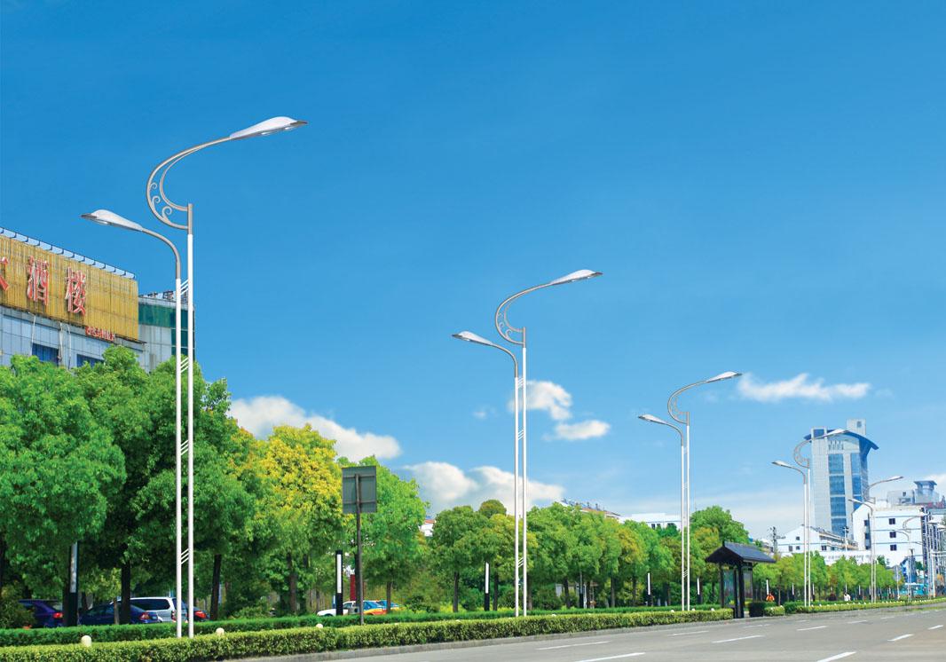覃塘路灯价格/太阳能路灯维修