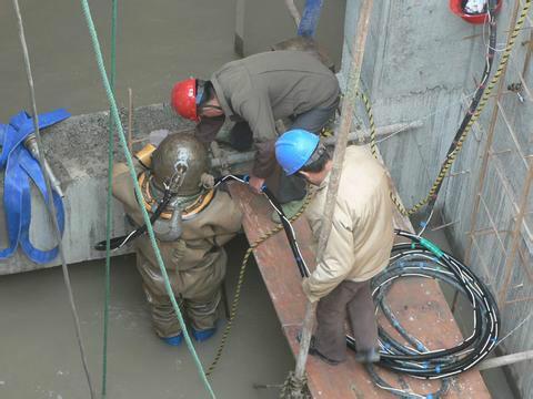 内蒙古打捞公司——打捞图片