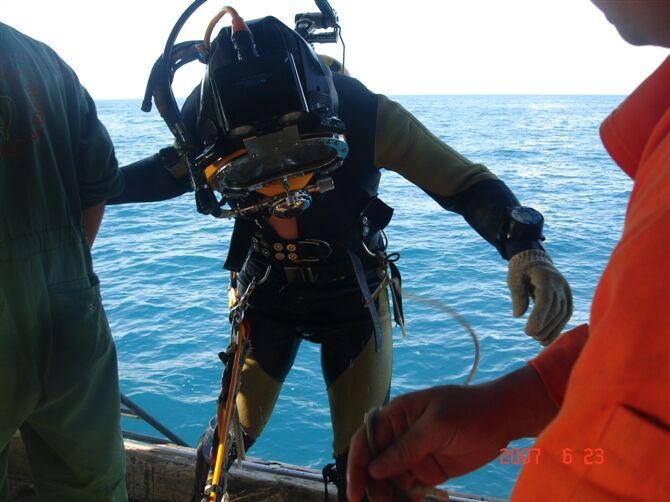 乌兰察布市水下打捞队2021水下蛙人服务