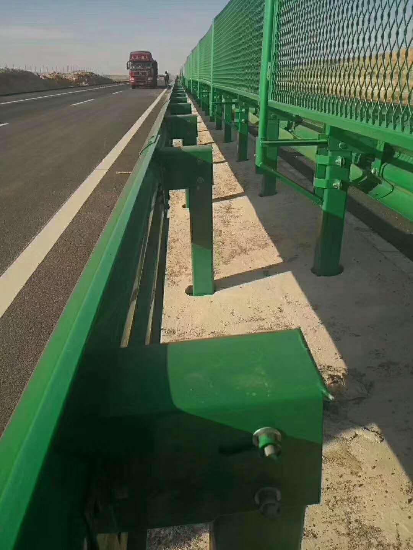 日喀则市波形护栏多少钱一米?