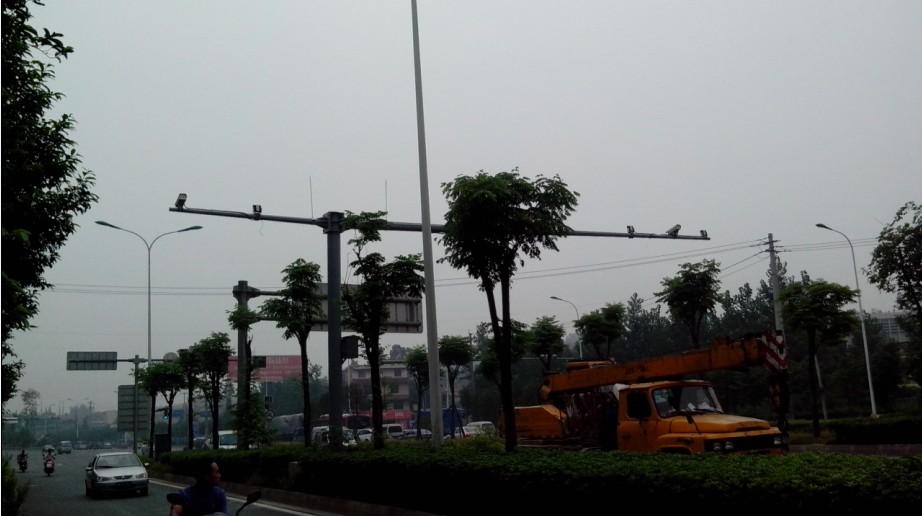 甘肃省定西市高杆灯灯杆生产代加工生锈杆件厂家