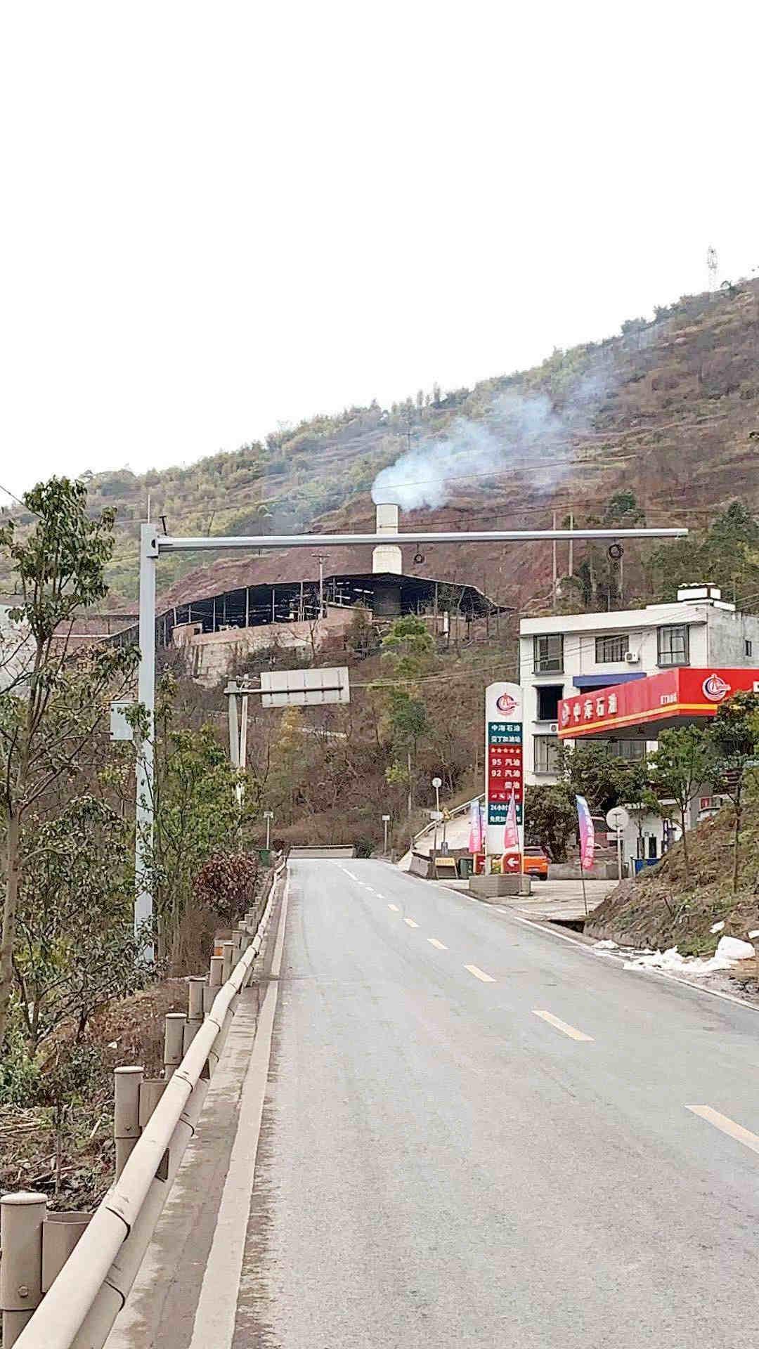 拉萨市堆龙德庆县6.5米、7米悬臂杆规模化生产100年不生锈的立杆在这里