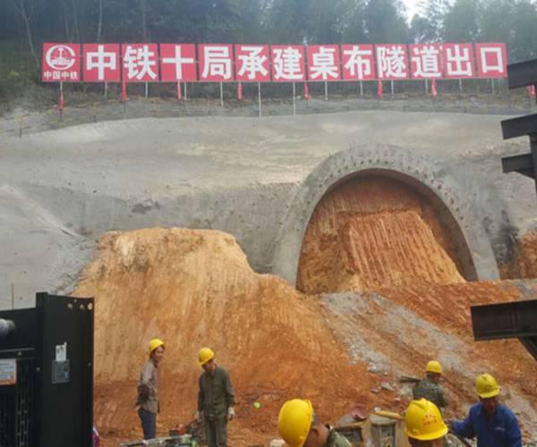 深圳大鹏新区混凝土喷射机双料斗喷浆车