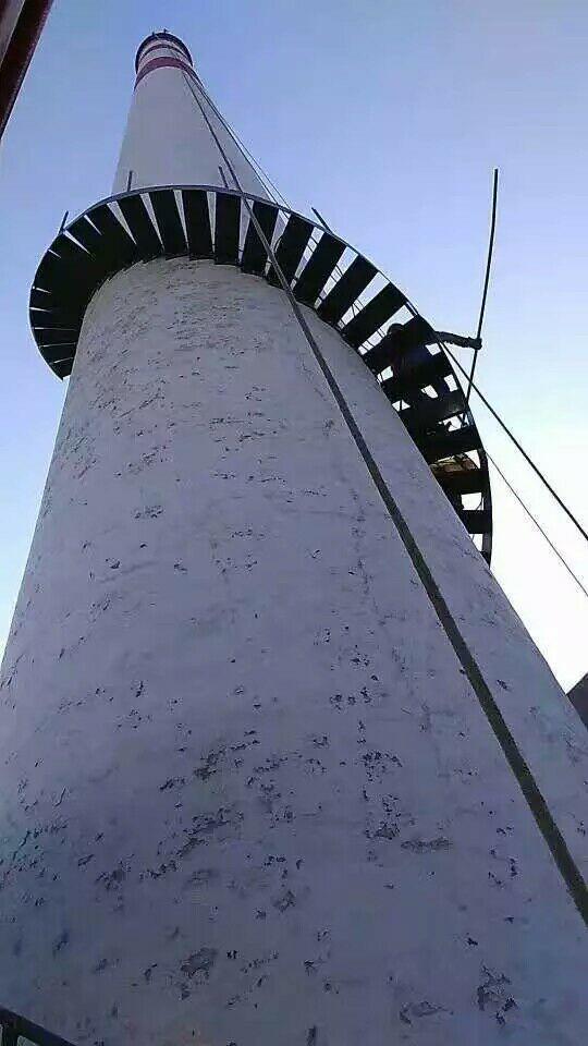 佳木斯砖烟囱安装旋转梯公司——哪里有烟筒爬梯翻新公司