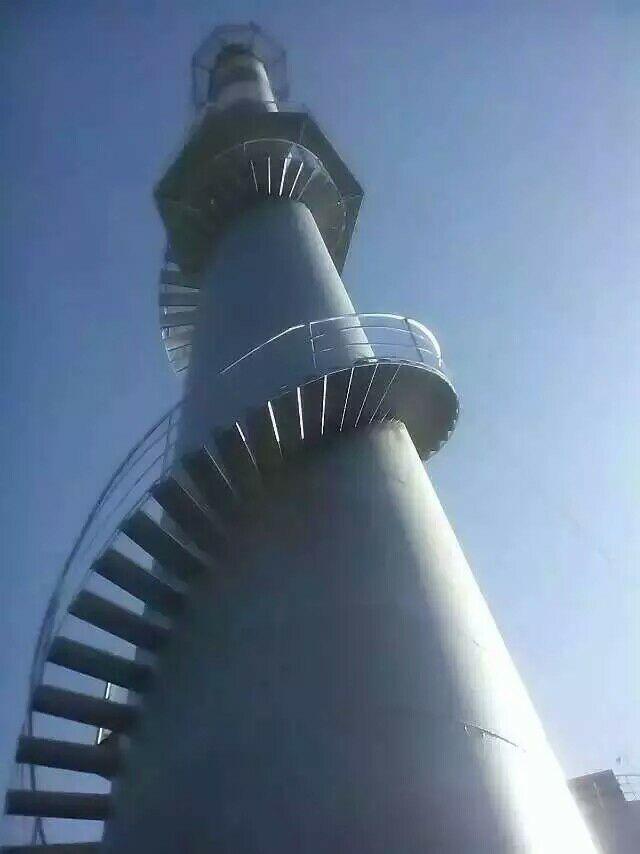 葫芦岛水泥烟囱安装环保检测平台公司——烟筒爬梯防腐操作方案