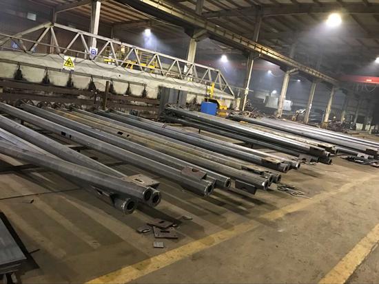 资阳市3.5*1交通监控杆抗8级地震杆件厂家华体厂家直销