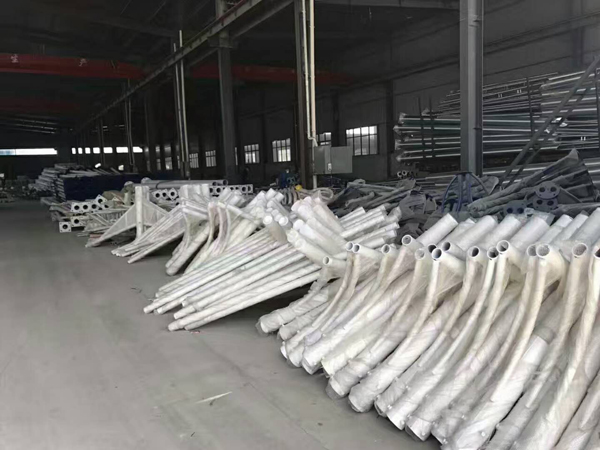 海南贵德8米9米10米灯杆批发厂家价格