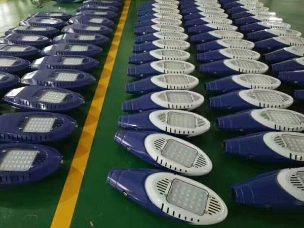 衡水市枣强县20米18米25米高杆灯价格300瓦12火LED路灯生产厂家