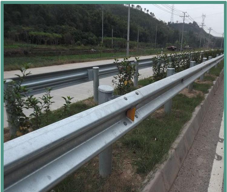 湖州市高速波形护栏多少钱一米