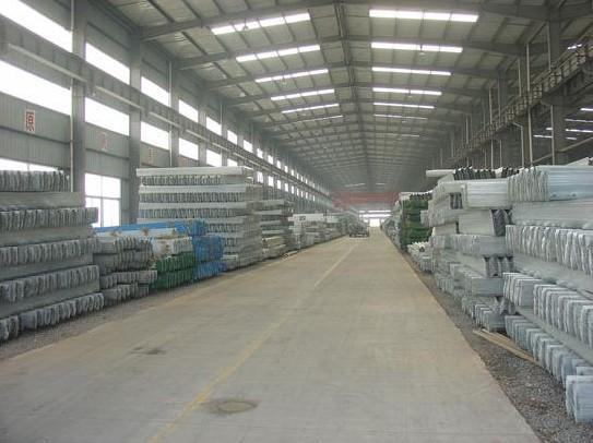 广州市白云区波形护栏板多少钱一米