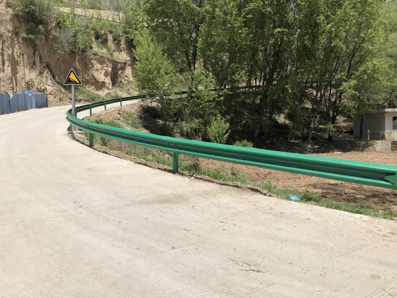 昆明市寻甸回族彝族自治县交通波形护栏价格