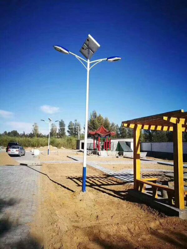 遵义红花岗6米7米太阳能路灯价格厂家现货直销