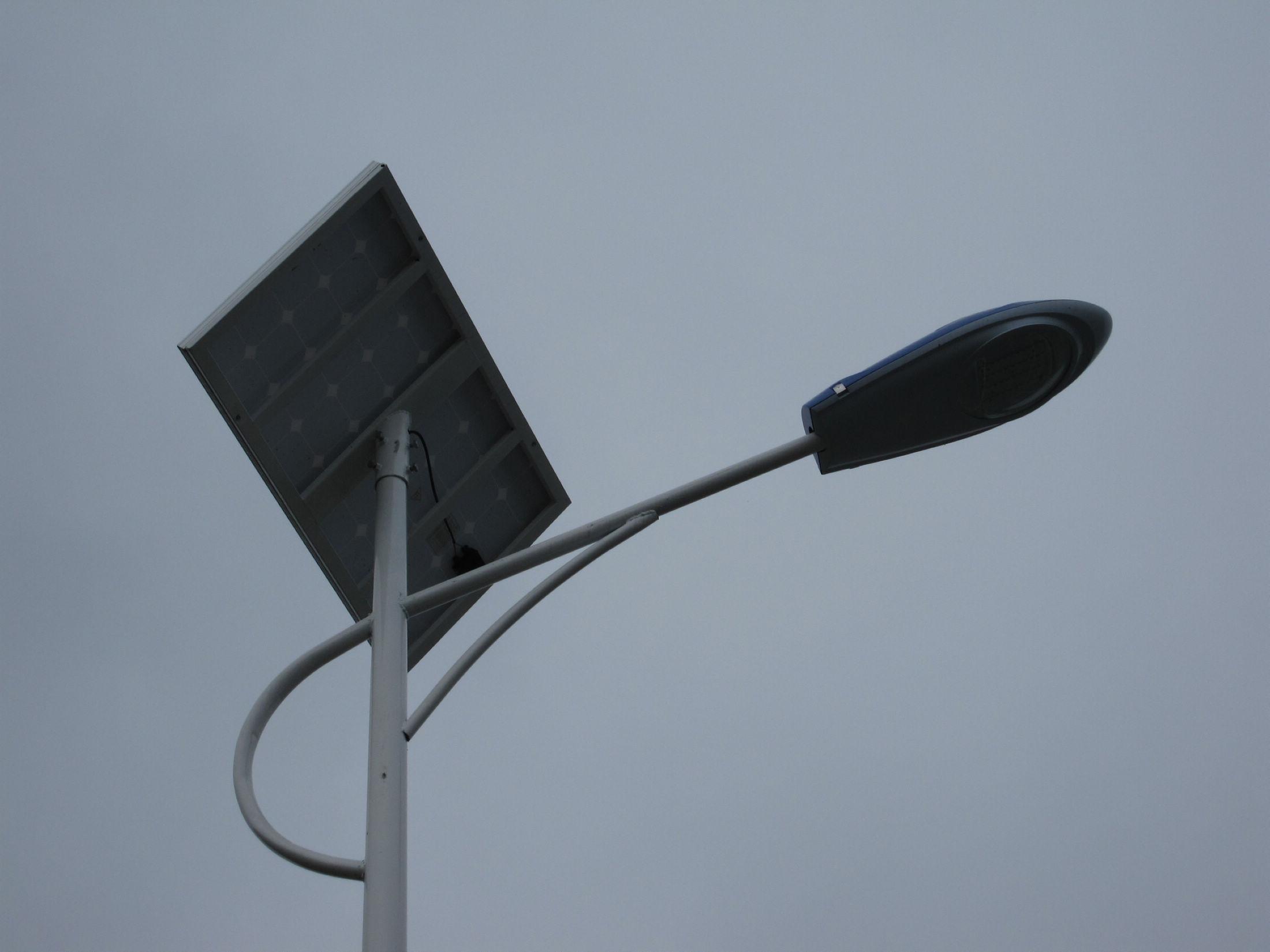 香格里拉路灯安装/太阳能路灯价格