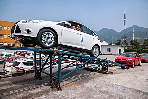 河南郑州到格尔木托运小轿车哪家好