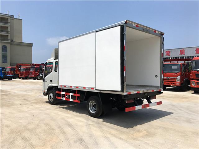 跃进国六3吨超市食品冷藏厢式物流车报价