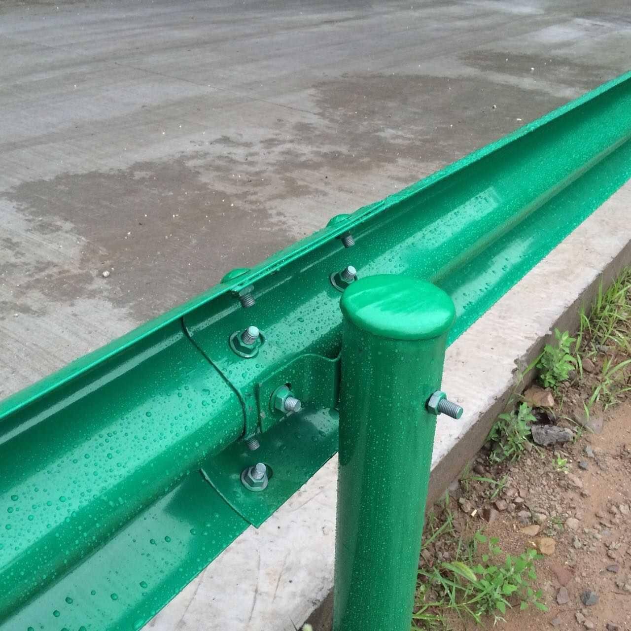 汕头市龙湖区波形护栏板多少钱一米联系电话