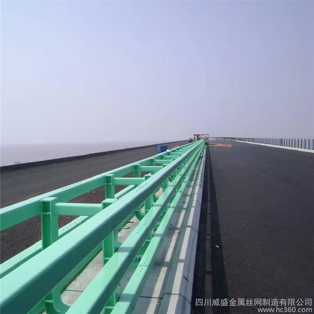 湖北省荆门市波形护栏板本地厂家热镀锌处理