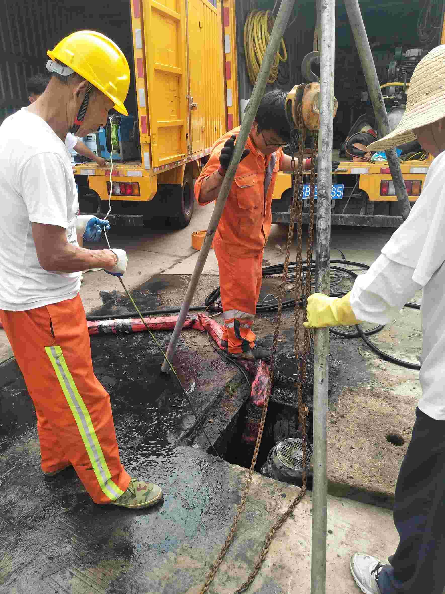 上海市打捞隔油池不通不收费【迪辉市政】