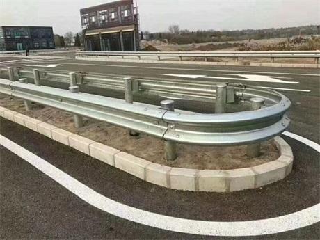 台州市路桥区波形梁护栏安全防护