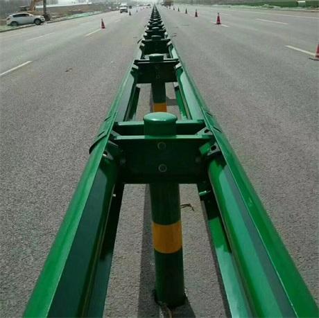 马鞍山市雨山区波形梁护栏安全防护