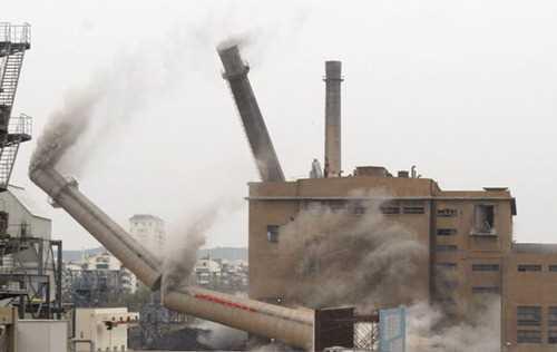 娄底废旧烟囱拆除公司_收费标准多少钱一米——【华电高空】