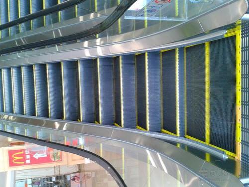 东莞东坑高层电梯回收-市场旧电梯拆除