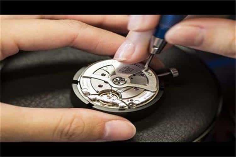 广州格拉苏蒂手表维修中心表针磨损偷停