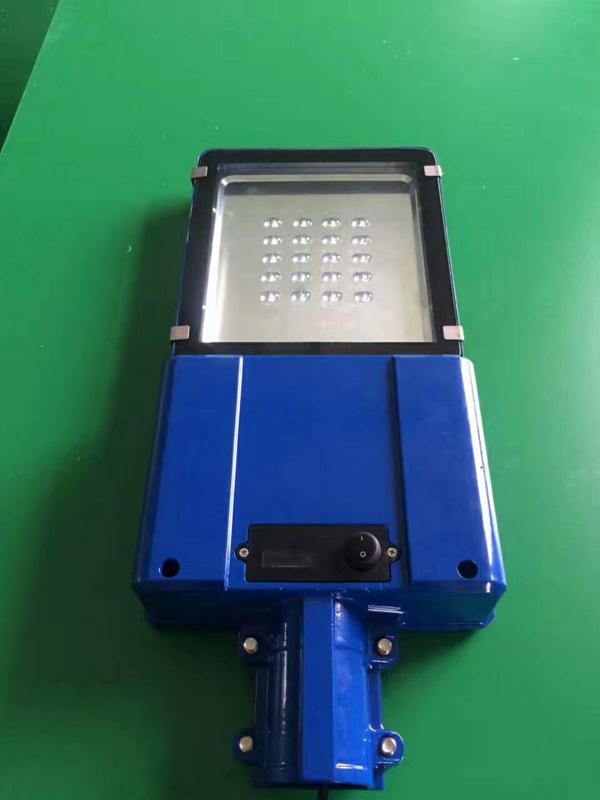 防城港市防城区太阳能路灯厂家价格锂电池LED单臂路灯