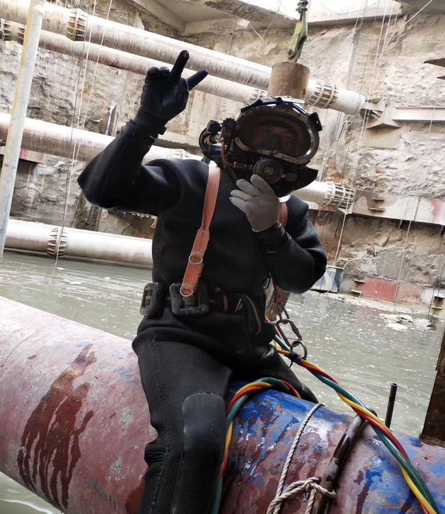 无锡市蛙人打捞队- 潜水作业队