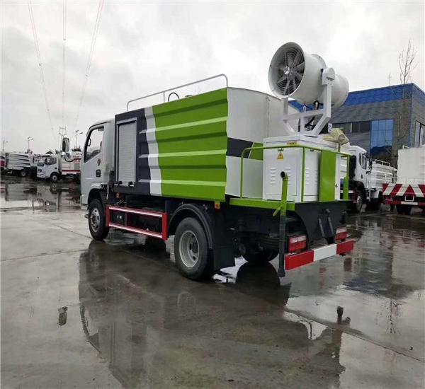 遵化福田12吨30米喷雾降尘洒水车厂家