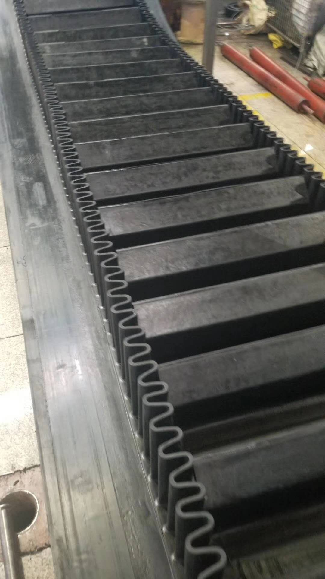 中卫隔板橡胶输送带