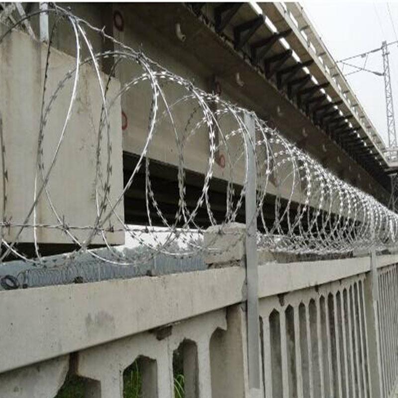 合山铁丝网围栏立柱品质优