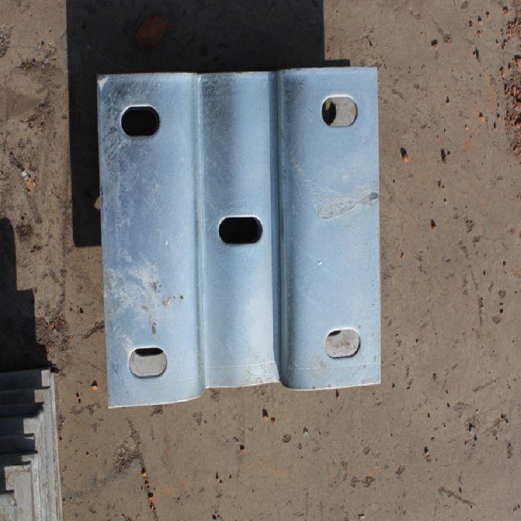 集安市波形护拦板生产厂家