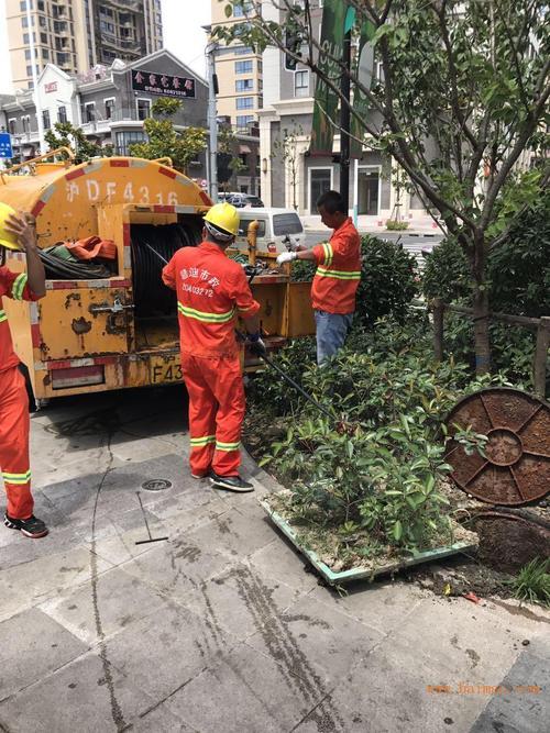 金山区金石北路雨水沟清淤-高效-环保