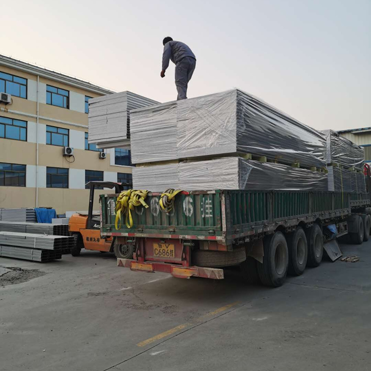天津玻镁岩棉彩钢板生产厂家