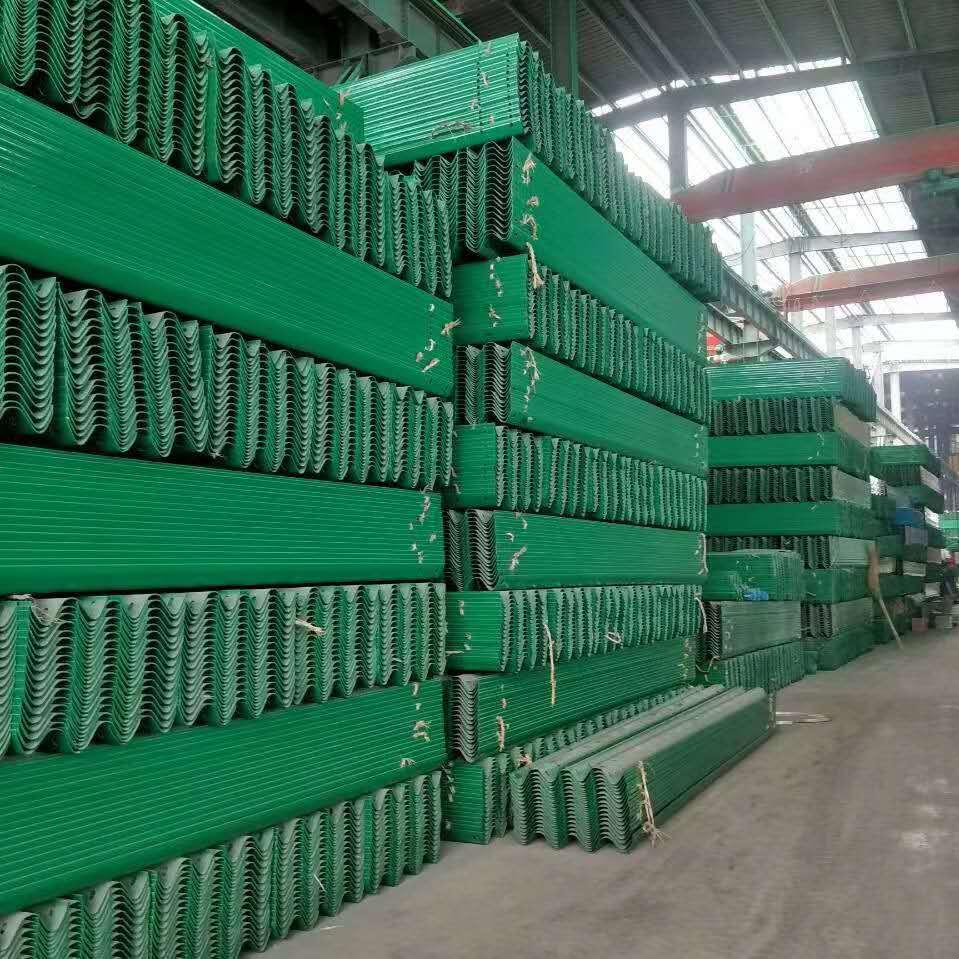 滦南县波形护栏板每米多少钱