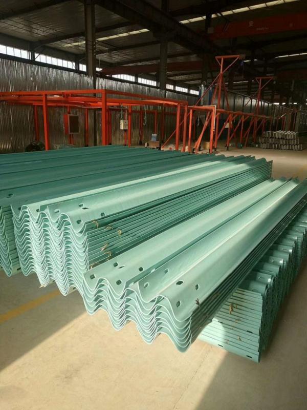 信阳市商城县波形护栏板每米多少钱