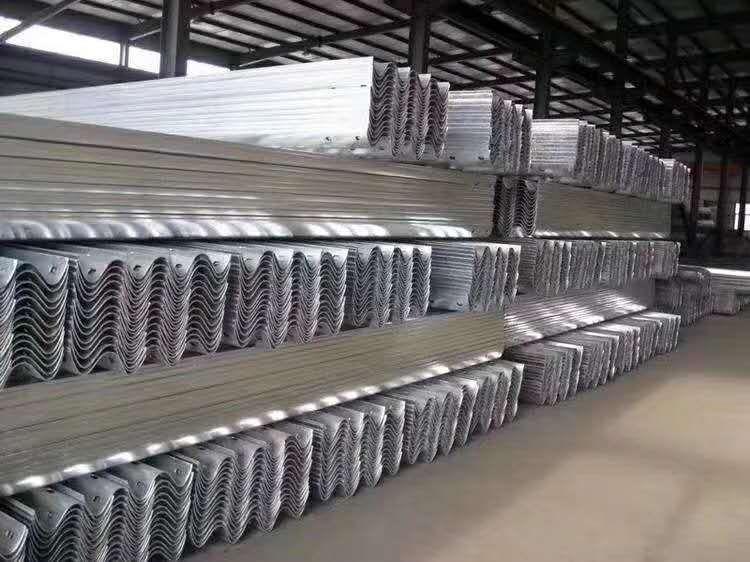 太平波形护栏板厂家直销