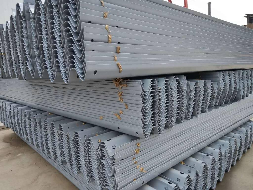普洱市波形护栏板施工材料